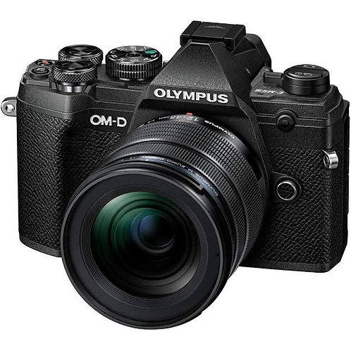 Olympus OM-D E-M5 III+12-45mm f/4 Pro Black