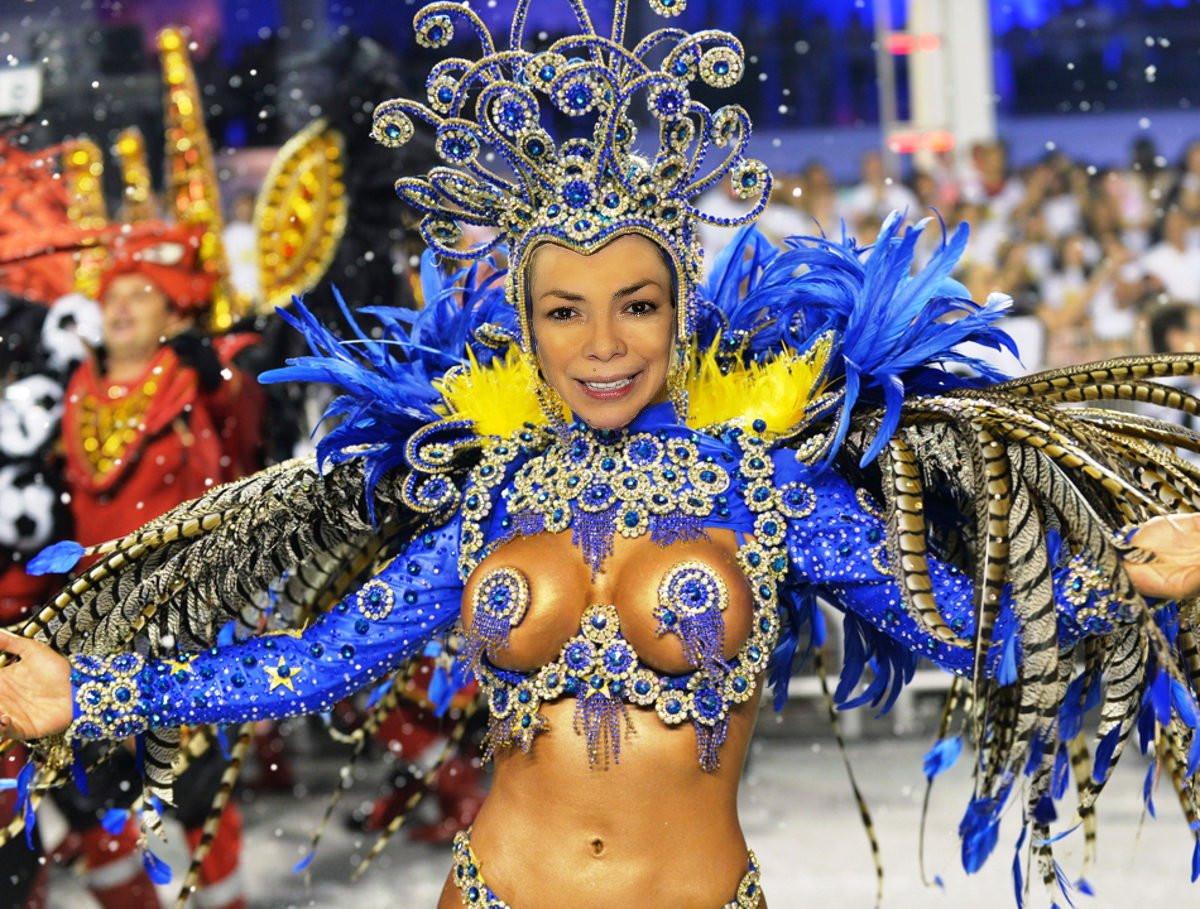 Karneval-in-Rio-Tänzerin-Zuni3.jpg