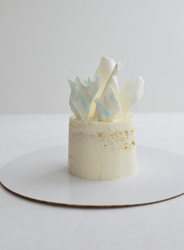 whiteflowercakes_08.jpg