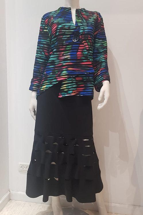 Skirt: Joseph Ribkoff; Jacket: Joseph Ribkoff