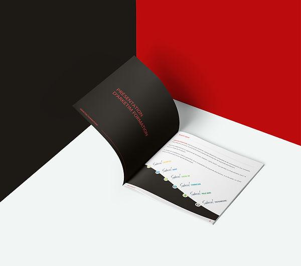 Mockup_Brochure_Square.jpg