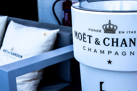 Moët & Champagne