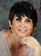 Beth Kelley headshot.PNG