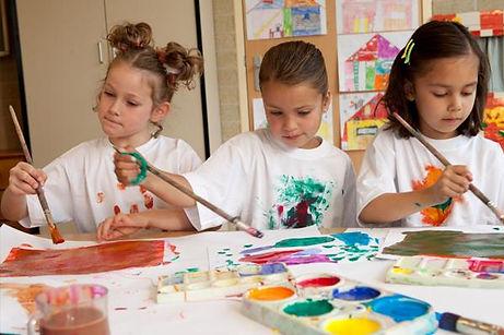 kids-in-summer-art-class.jpg