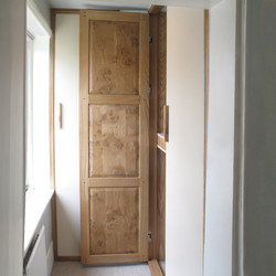 oak dressing room