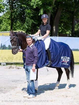 Himmelreichs Gladiator wird als bestes Pinto-Dressurpferd Österreichs ausgezeichnet