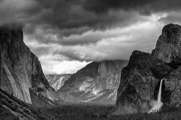 Yosemite Valley 1.jpg
