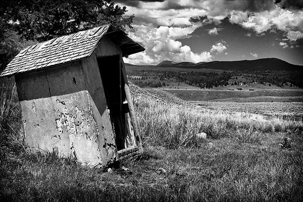 outhouse (1 of 1).jpg