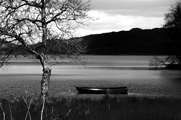 boat on loch jpeg (1 of 1).jpg