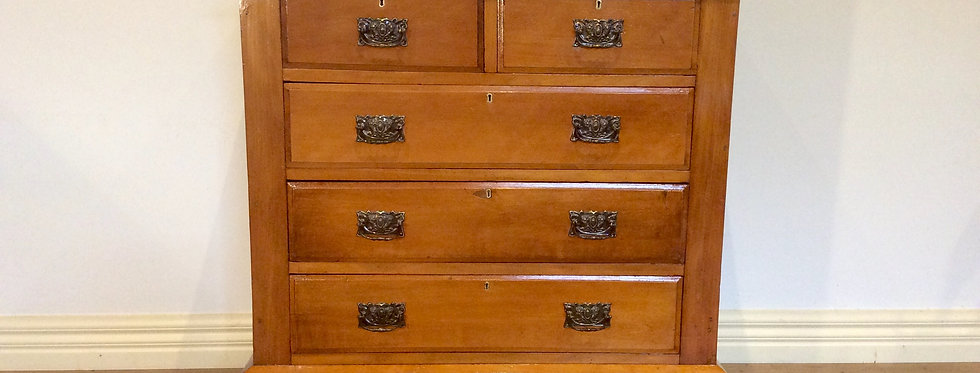 Restored Edwardian Kauri Pine Chest of Five Drawers. Circa 1900.