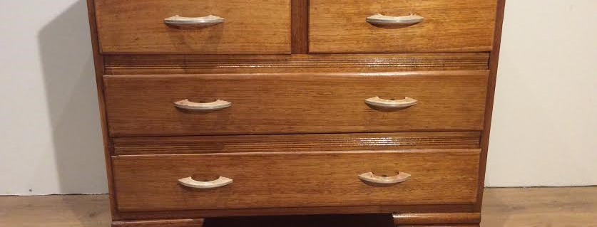 Solid Oak Art Deco Chest of Drawers with Bakelite Handles