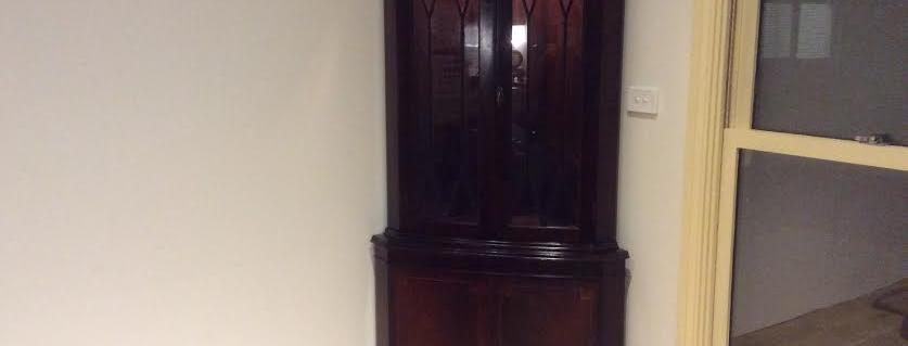 Georgian Style Mahogany Corner Cabinet. Circa 1940.