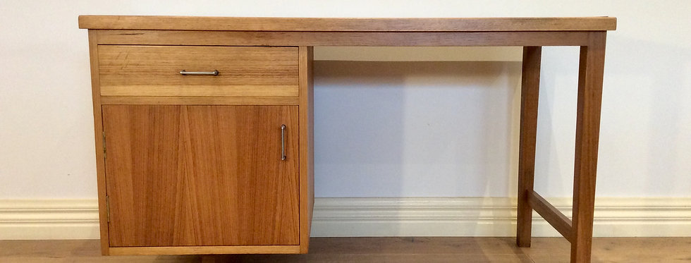 Mid Century Industrial Desk with Compartmentalised Top Drawer. Circa 1960.