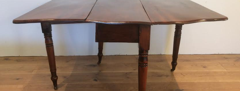 Victorian Solid Mahogany Gate Leg Drop Side Table. Circa 1840