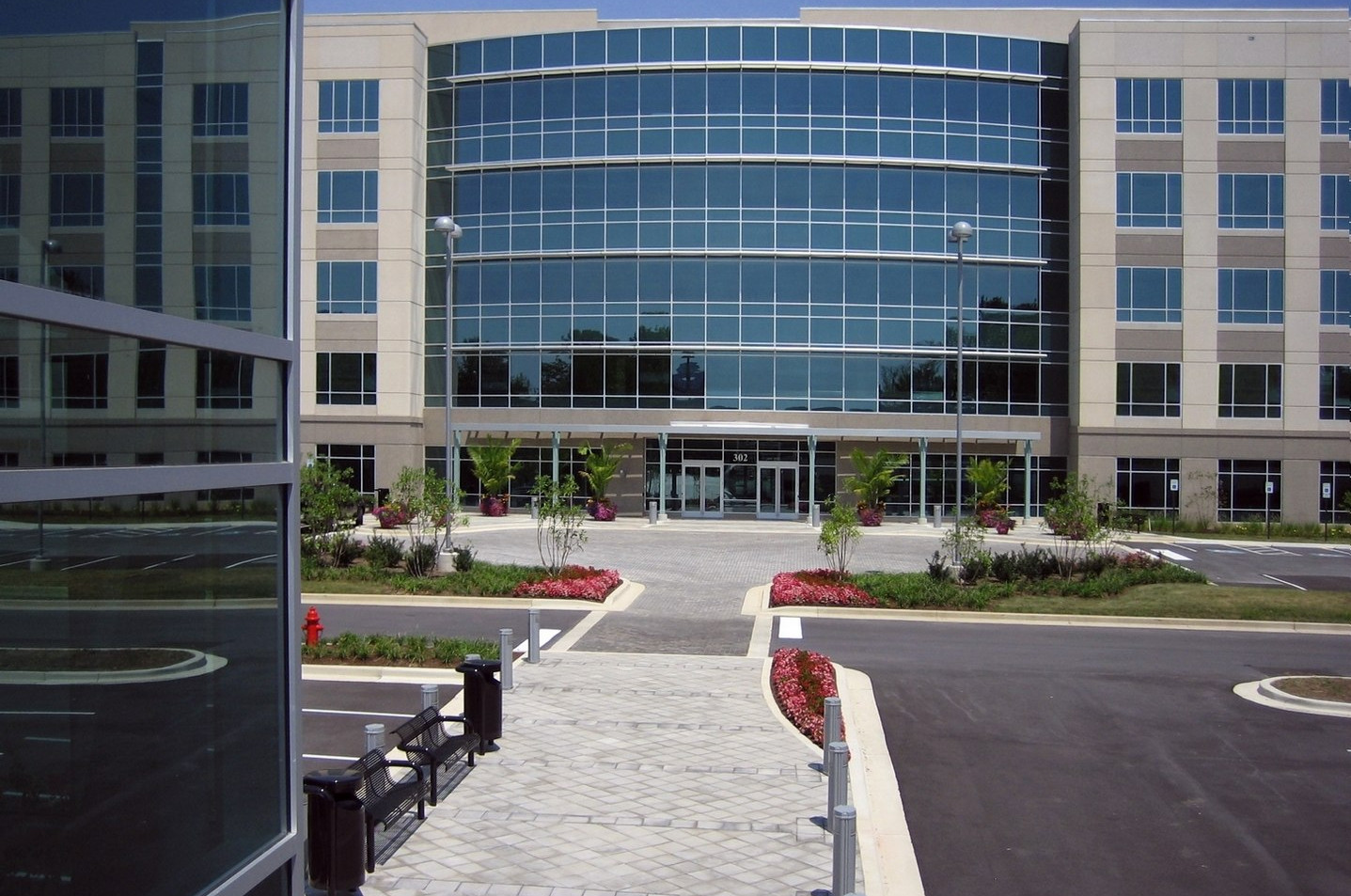 302 National Business Parkway - Exterior