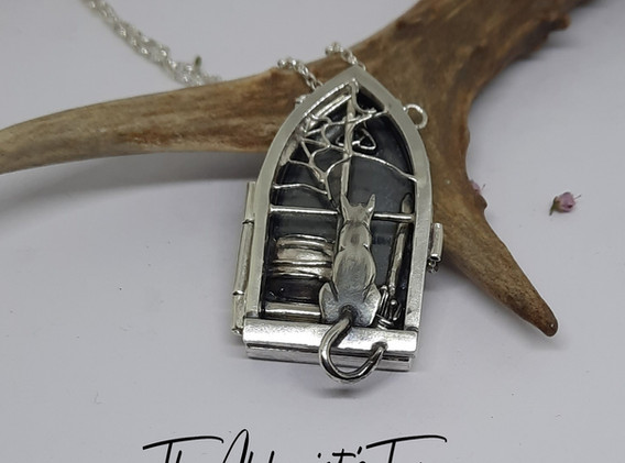 Witches kitchen locket