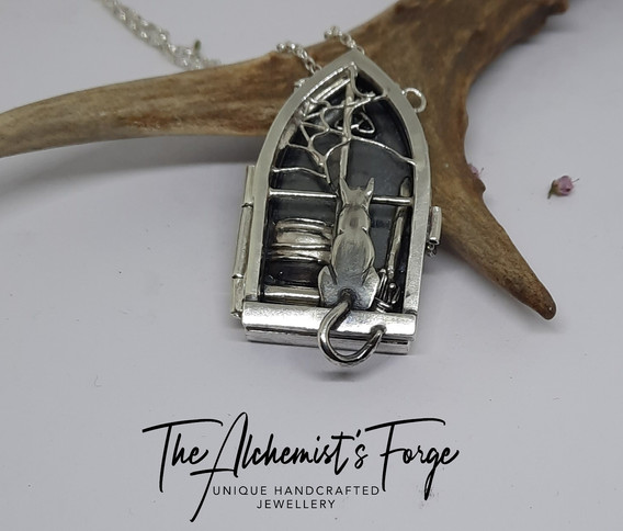 Charmed Locket Necklace (Closed)