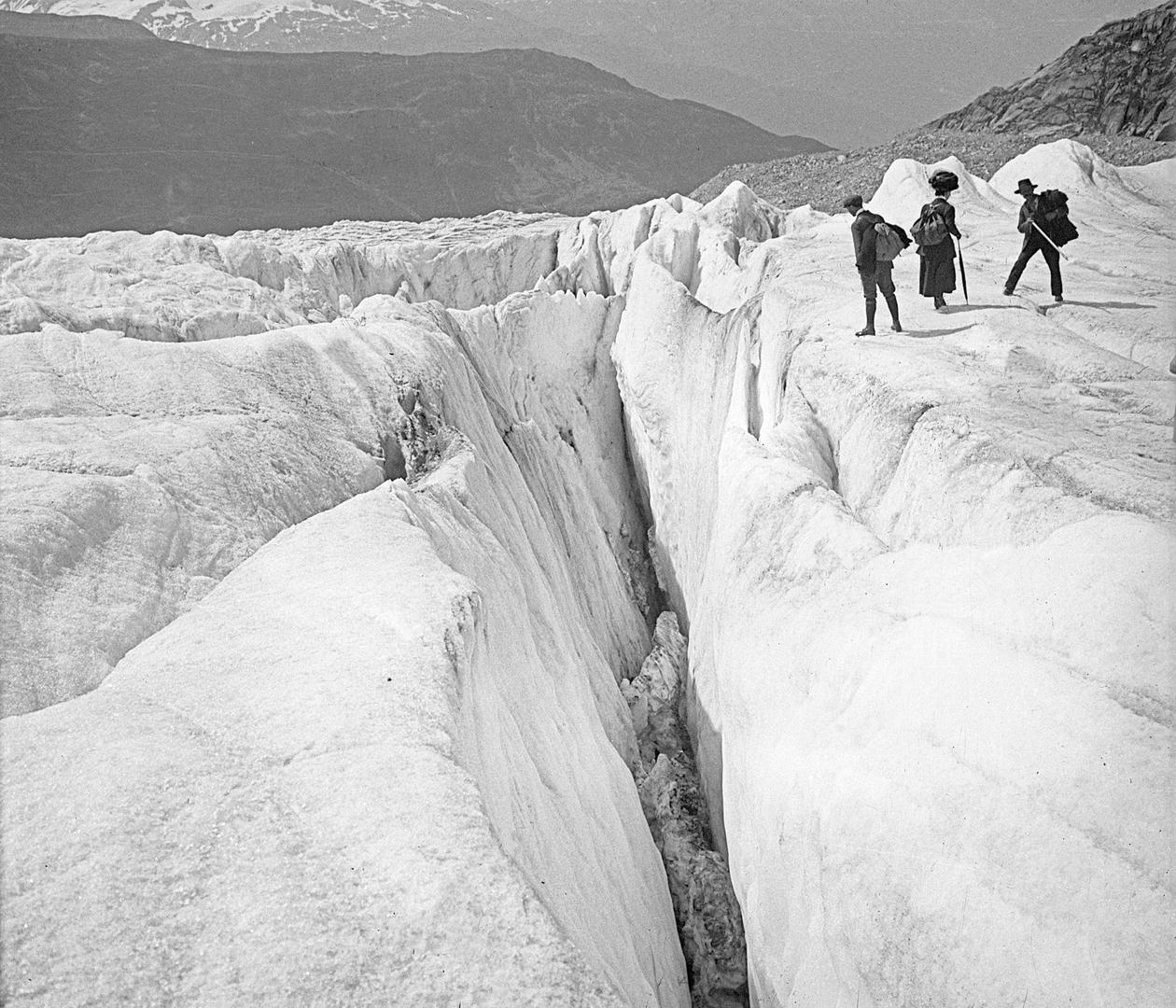 Rhone Glacier (A1695)