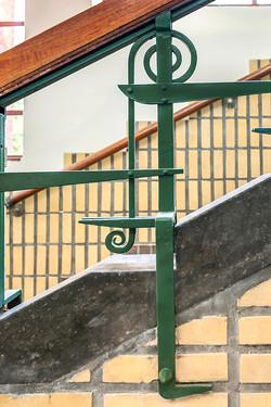Detail trap in voormalige Simon van Hasseltschool. Architect S.J. Bouma.
