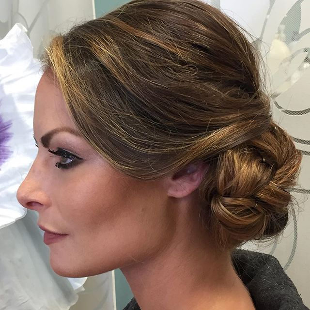 Beautiful up do for a wedding at Oheka Castle ❤️#shesalon #updo #modernsalon #scrupleshair #ohekacas