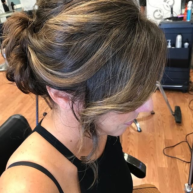 SHE looks Gorgeous in her updo 💁 😍#shesalon #blonde #behindthechair #modernsalon #weddingfun #updo