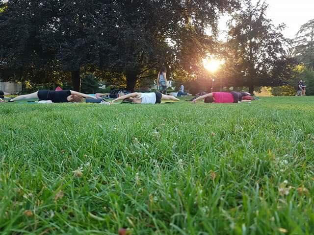 Pilates, gratuit, parc, collectif