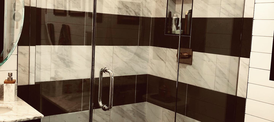 Master Shower with Bold Stripes