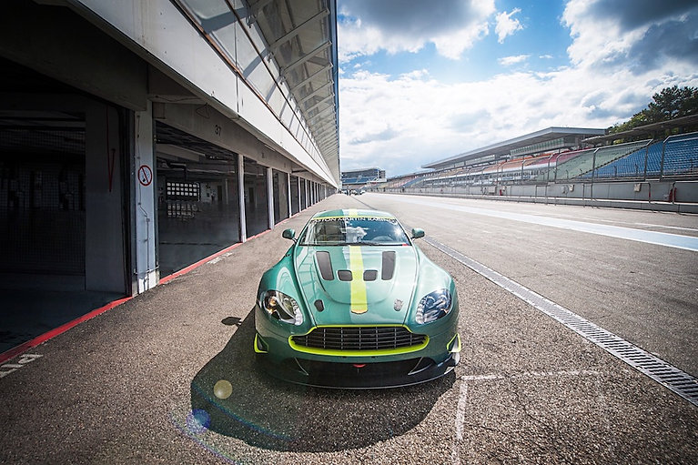 Aston Martin, Track Day, Performance Traiming, License to Race, Rennstrecke, Auto
