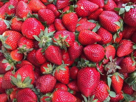 Frühlingscocktails, Erdbeeren satt plus ein bisschen Kuba Feeling = Strawberry Daiquiri