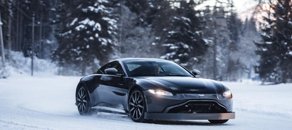 Aston Martin, Track Day, Performance Training, License to Race, Fahrtraining, Astonmartin, Wintertraining