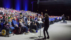 Over 1300 Children Raise Their Voices In a Fantastic Festive Performance!