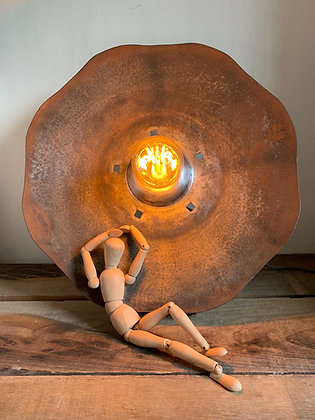 LAMPE FLEUR MÉTALLIQUE