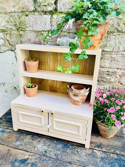 Mini display dresser