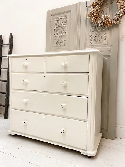 Victorian Chest of Drawers *includes shipping*