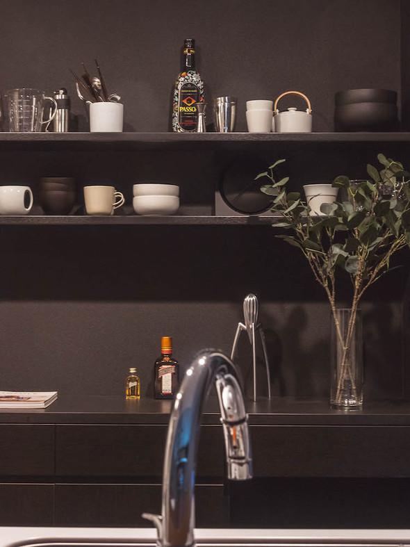 最小限の機能を備えたキッチン収納