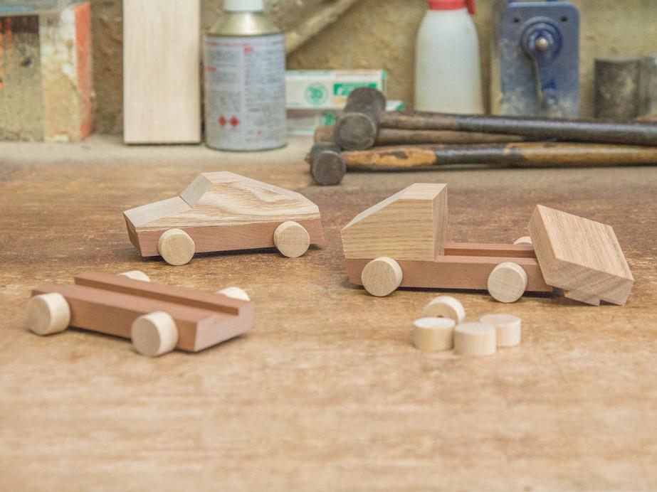 暮らしを彩る雑貨や木製玩具の製作と販売