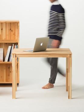 岐阜県の山で育った木で作ったいろんな家具