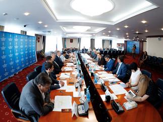 Александр Новьюхов принял участие в рабочей встрече депутатов Думы Югры и Законодательной Думы Томск