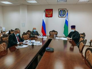 Александр Новьюхов принял участие в заседании Общественной палаты Югры