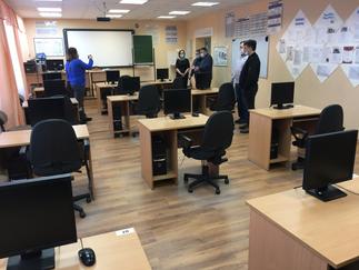 Александр Новьюхов посетил среднюю общеобразовательную школу села Казым Белоярского района