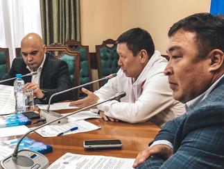 Александр Новьюхов принял участие в круглом столе о реализации прав коренных народов на особо охраня