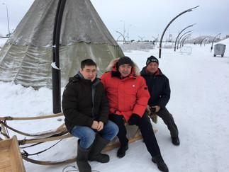 Александр Новьюхов посетил Чумовую улицу новогоднего Ханты-Мансийска