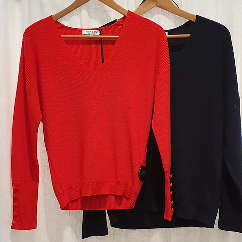 Pull col V , boutons manches