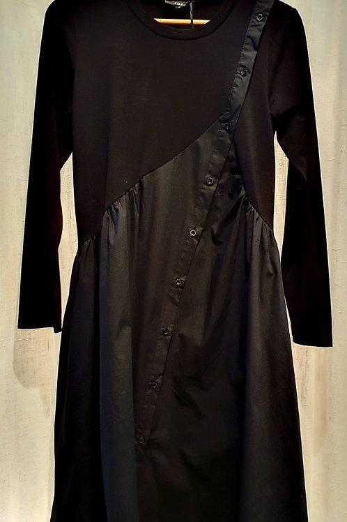 robe noire à boutons