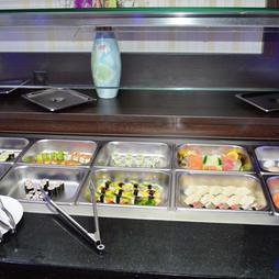 Buffet mit Sushi & Maki