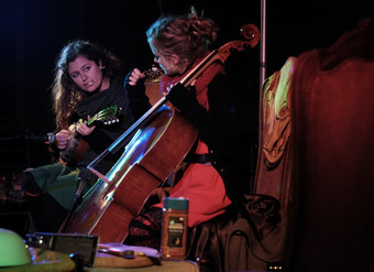 Escarteen Sisters op Tuinpodium