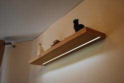 Полка-светильник. Шпон дуба