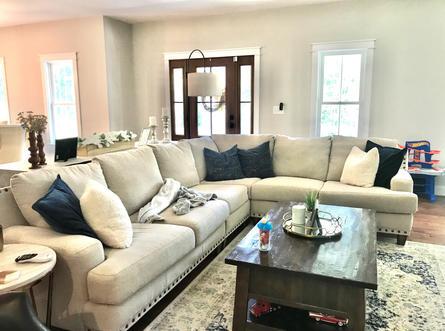 James River Cottage living room