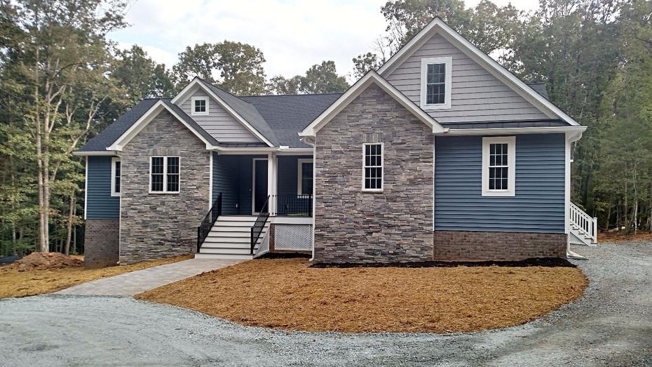 Custom home in Rockville, VA