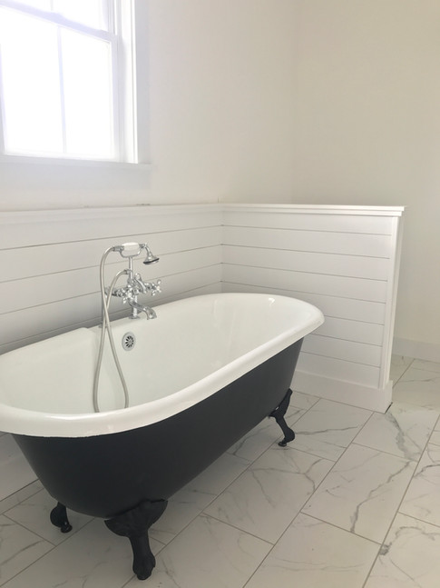 Cast iron clawfoot tub in Master Bathroo